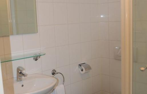 complete bathroom apartment Hotel de Tabaksplant Amersfoort long stay