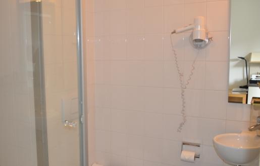 badkamer kleine knusse kamer hotel de tabaksplant amersfoort